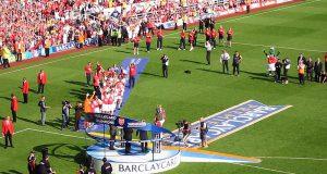 800px-Trophy_presentation_Highbury_2004