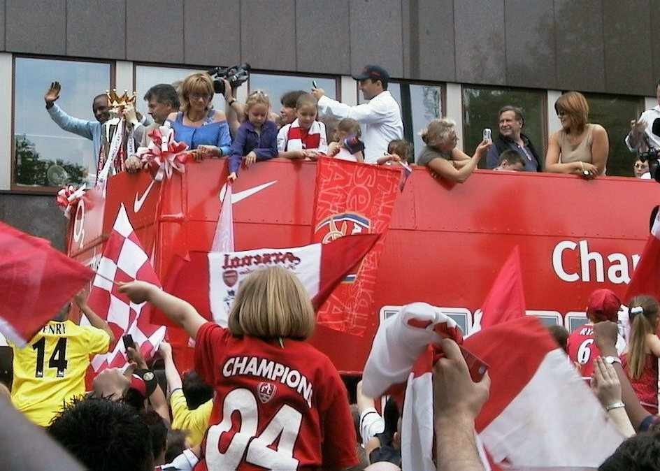 Arsenal_open_top_bus_parade_2004
